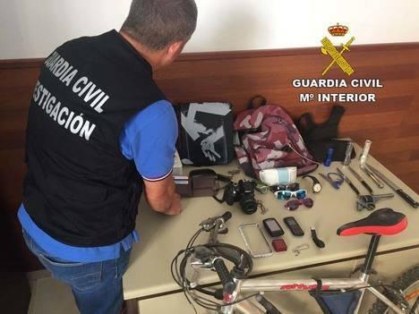 Un detenido por 8 robos con fuerza en segundas viviendas de Vera Playa y Palomares