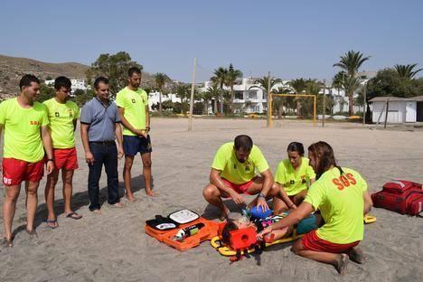 Los socorristas de Níjar realizan cursos de formación continua semanal