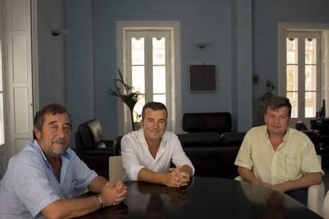 Visita el Ayuntamiento de Carboneras el nuevo director de la fábrica de Holcim