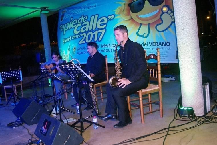 Gran éxito del espectáculo 'Esencias' de Hugo del Pino en el Anfiteatro de Roquetas de Mar