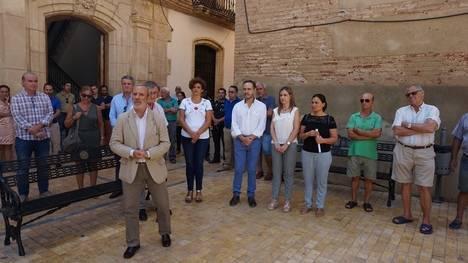 Consejero de Fomento preside el minuto de silencio en Vera por el atentado de Barcelona