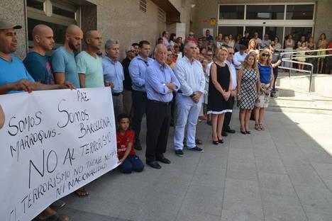 Minuto de silencio en el Ayuntamiento de Roquetas