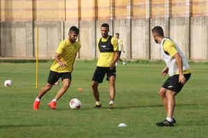 Club Deportivo El Ejido juega en Murcia este tomingo