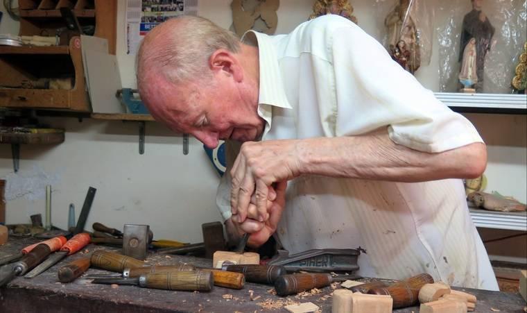 IEA abordará el Arte de la Madera a través de la obra y vida del tallista y restaurador Javier Arcos