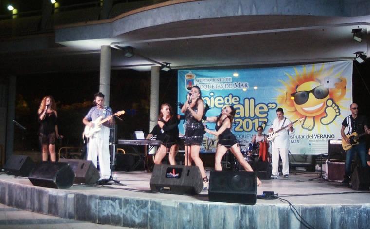 Gran concierto de la banda Chelo&Cía en el Anfiteatro de Roquetas de Mar