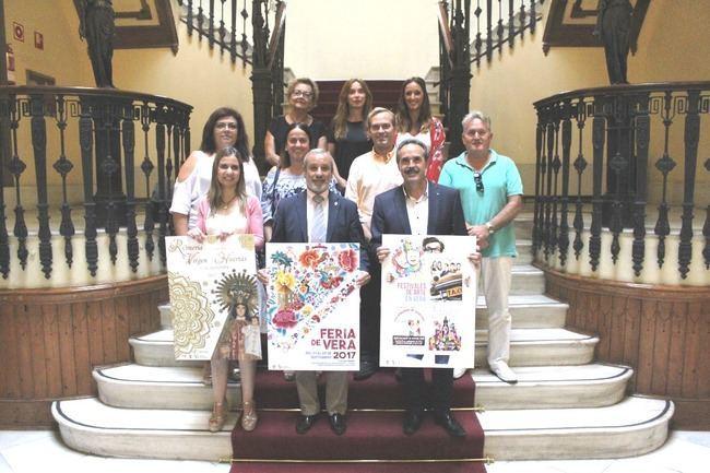 Vera presenta el cartel y la programación de la Feria en honor a San Cleofás 2017