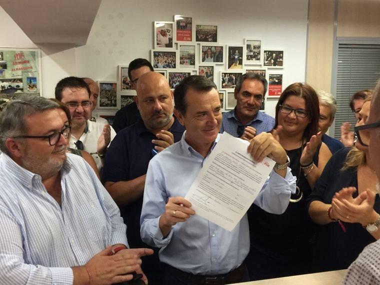 Pérez Navas quiere ser secretario general #paraqueganeelPSOE