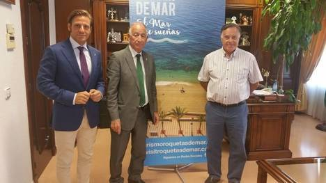Ayuntamiento de Roquetas y los promotores turísticos valoran este verano como