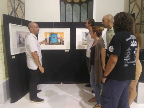 Manuel Villamil expone fotografías con esencia asiática en el Convento de la Victoria de Vera