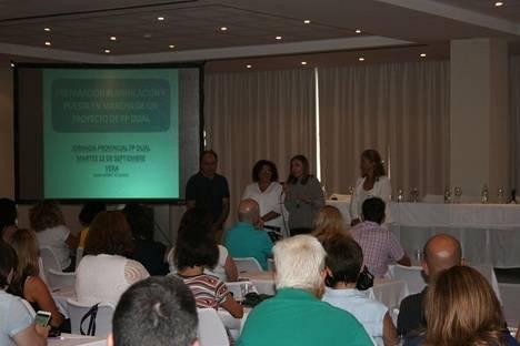 Profesores de FP se informan acerca de la Formación Profesional Dual en una Jornada provincial celebrada en Vera