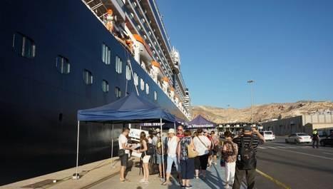 Puerto de Almería recibe en dos días casi 3000 cruceristas