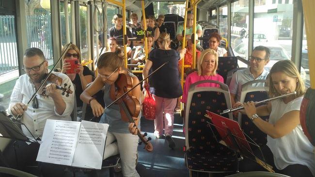 La OCAL sube su música al autobús