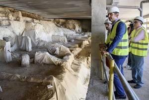Apuesta del alcalde por la explotación turística de los restos arqueológicos del Mesón Gitano