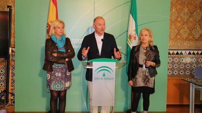 Medio millón de euros aporta la Junta al Consorcio de Tansporte