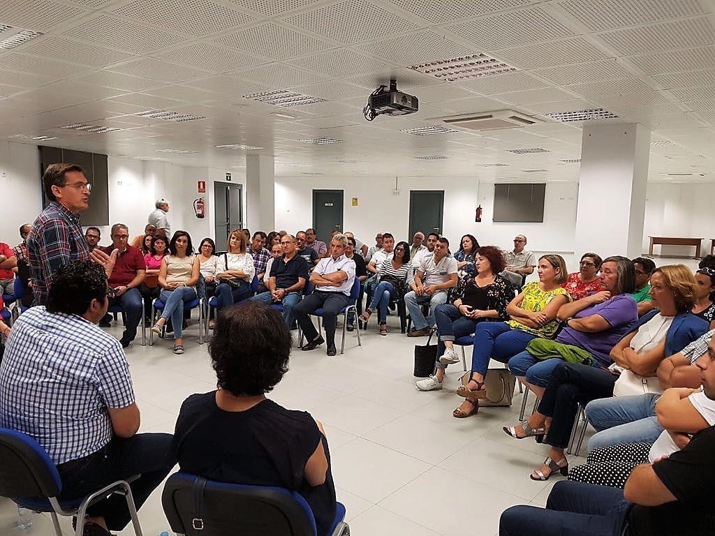 """Sánchez Teruel dice que el PSOE mantiene """"un diálogo permanente"""" con la sociedad"""