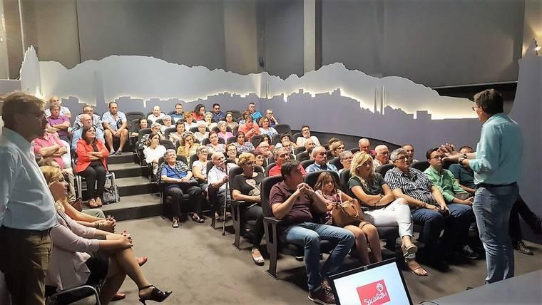 Sánchez Teruel explica en Adra su candidatura