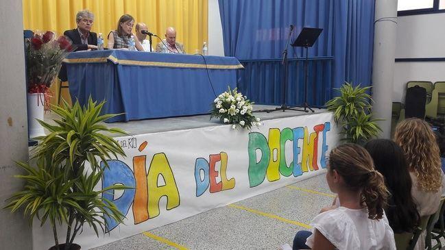 Centros educativos almerienses se suman a la celebración del 'Día Internacional del Docente'