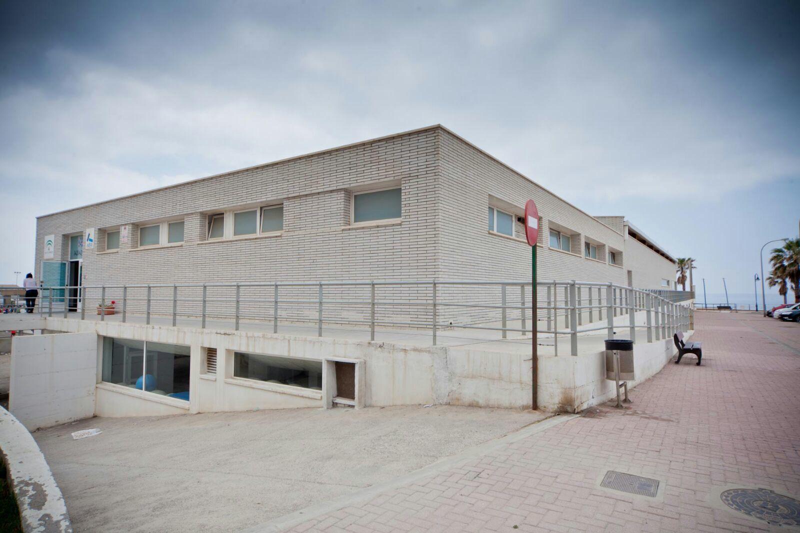 Euros para dar viabilidad al servicio de piscina for Piscina municipal almeria