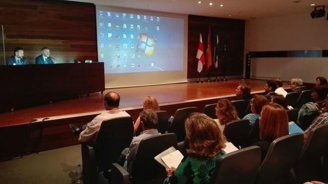 Junta y Asepeyo abordan la mejora de la detección de las enfermedades profesionales