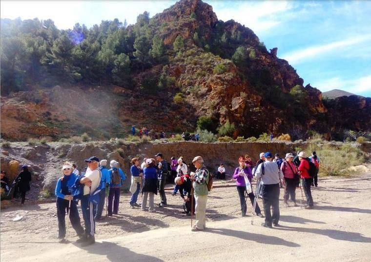 PMD anima a los mayores a practicar senderismo con dos rutas entre Lanjarón y Órgiva