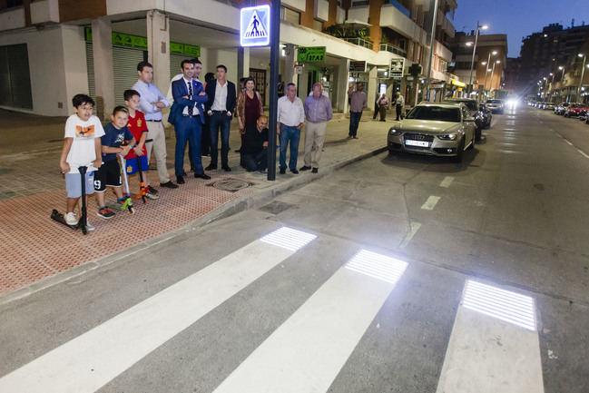 Ayuntamiento instalará ocho nuevos pasos de peatones inteligentes