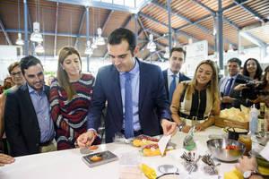El alcalde inaugura el espacio gastronómico 'Almería Cocina' en el Mercado Central