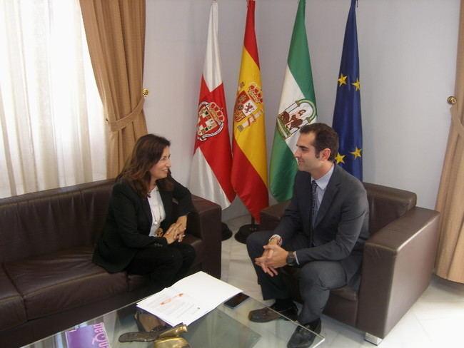 Encuentro entre el alcalde y la presidenta del PITA