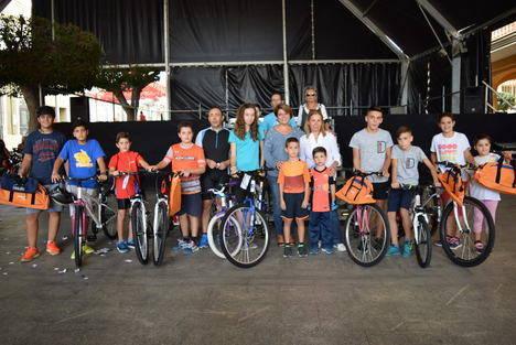 """Multitudinario """"recorrido en bici"""" por el municipio durante la Feria de Gádor"""