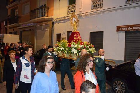 Gádor saca en procesión a la Virgen del Pilar en el 12-O