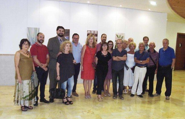 Exposición de los trabajos del taller de fotografía de la Universidad de Mayores en la Escuela de Música