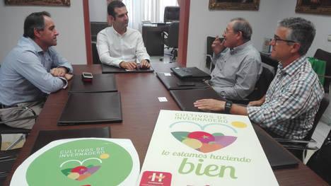 Ayuntamiento se suma a la campaña de Hortiespaña para promocionar productos de invernaderos