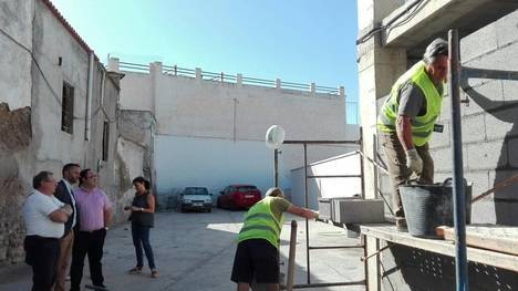 La Junta apoya con 32.500 euros la contratación de cinco desempleados en Alcolea