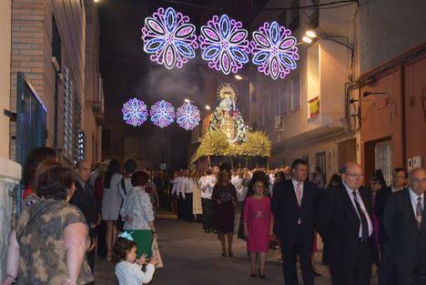 Gádor finaliza sus fiestas echándose a la calle para acompañar a la Virgen del Rosario Coronada