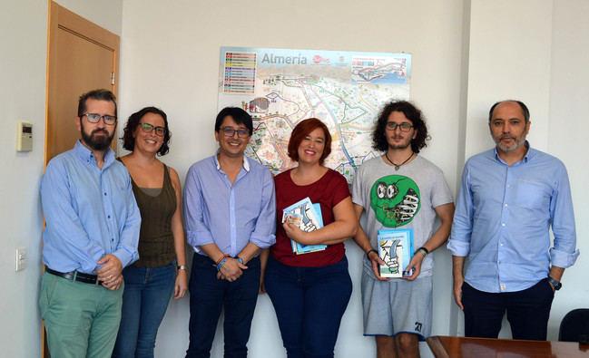 El Ayuntamiento entrega a María Campra y Manuel Murillo sus premios por el IV Concurso de Microrrelatos