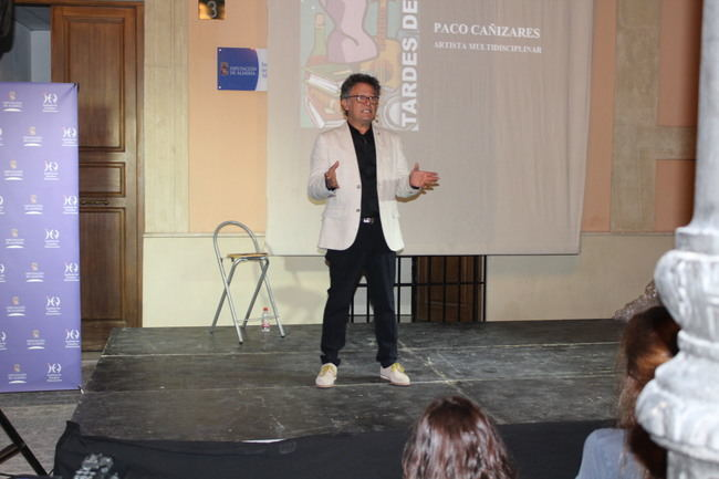 'Las Tardes del IEA' muestran a un Paco Cañizares libre y creativo