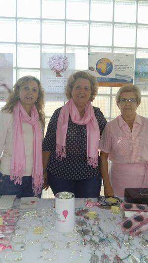 Mesas informativas de la AECC de Vícar con motivo del Día contra el Cáncer de Mama