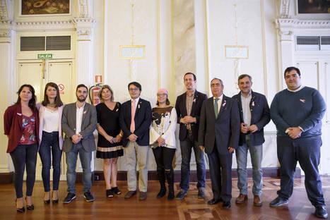 El Ayuntamiento de Almería se suma a los actos contra el cáncer de mama