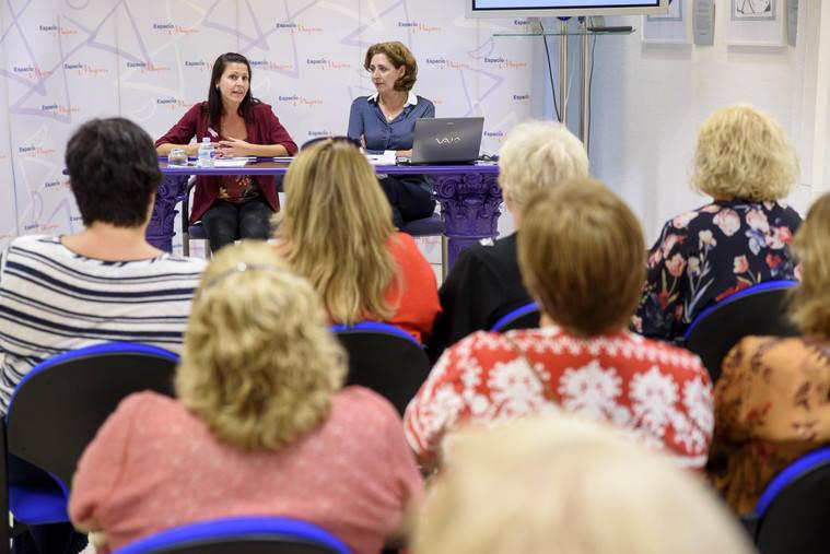 Diputación conmemora el 'Día de la Mujer Rural' con una conferencia
