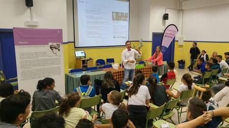 """""""Mujeres en la ciencia"""" llega al alumnado del IES Jaroso de Cuevas"""