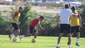 """El Almería quiere desprenderse de las """"ataduras"""" para reaccionar en la Liga"""