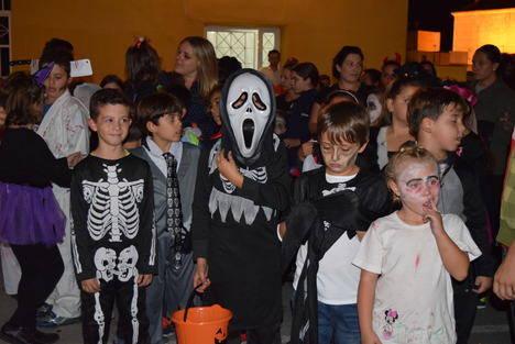 Gádor celebra la Noche de Halloween con una gran fiesta del terror