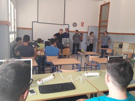 """Alumnos del I.E.S. """"Gádor"""" crean un programa para la Estación Espacial Internacional"""