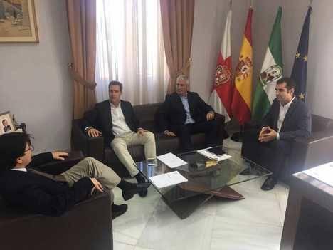 Los alcaldes de Almería y Huércal estudian mejoras en movilidad y conectividad