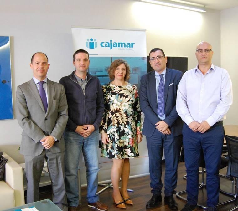 Cajamar ofrece financiación a los taxistas de Almería