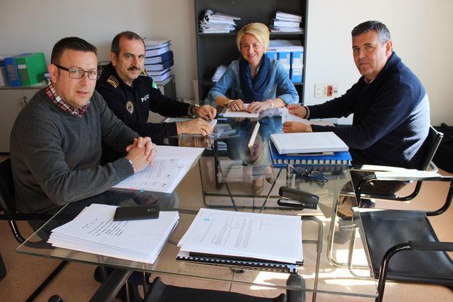Roquetas pone en marcha la ordenanza de estacionamiento de autocaravanas