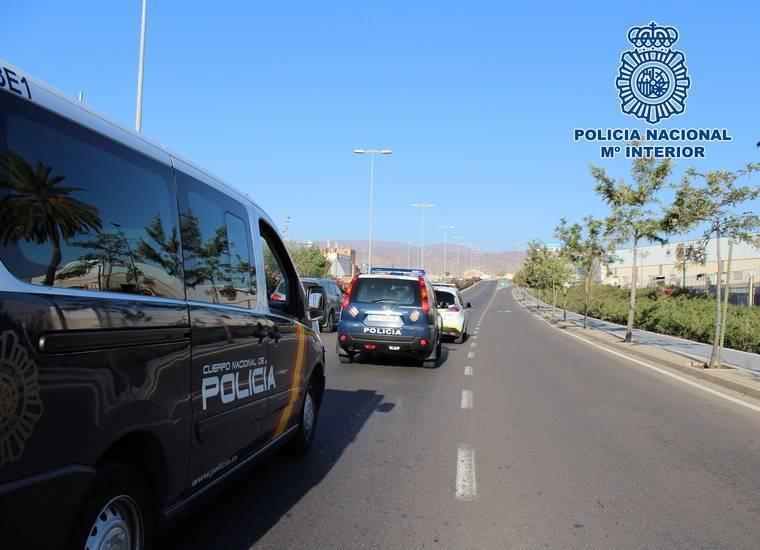 Tres detenidos de entre 30 y 40 años por dar una paliza a una persona para robarle el móvil y 30 euros