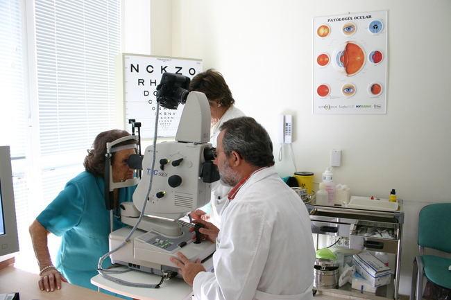 Salud realiza retinografías a más de 35.000 pacientes con diabetes en Almería para prevenir una posible ceguera