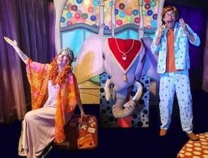 Acuario Teatro representa 'La visita de Amapola' en Roquetas