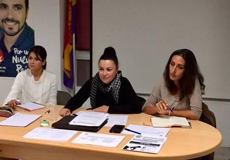 La Coordinadora Provincial de IU Almería visita la Asamblea de El Ejido.
