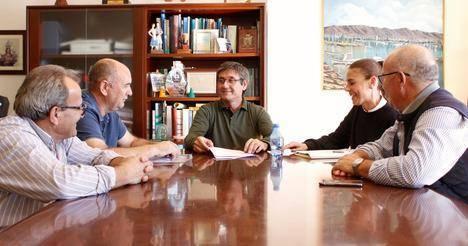 Cortés agradece a Campoejido su donación de más de 3.000 euros para políticas de igualdad